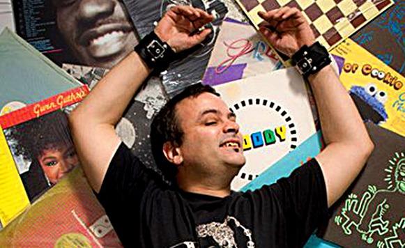 Escenas-Area y la música en la escena gay de Bs As de los 80´as Vol 1 / por Dr Trincado (Sesión de dj – registro de escenas musicales subterraneas)